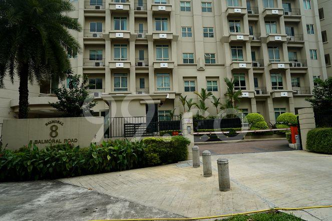 Balmoral 8 Balmoral 8 - Entrance