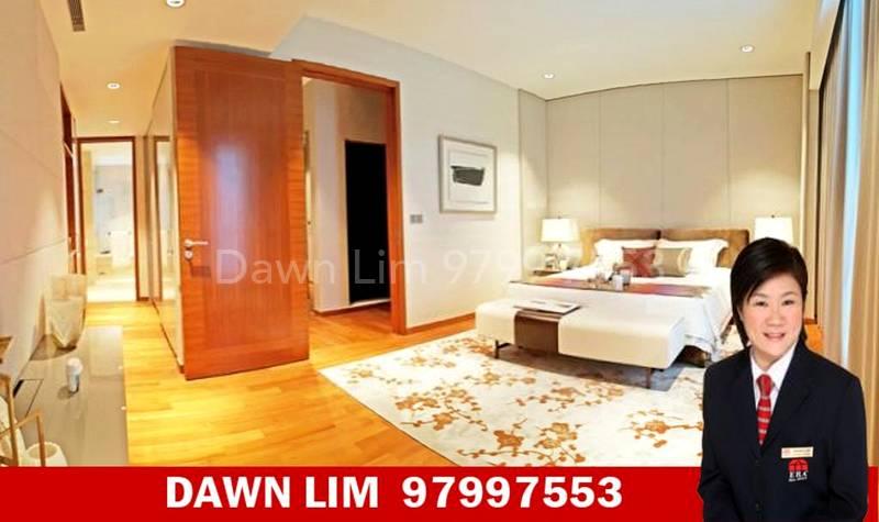 Large Master bedroom ensuite with walk in wardrobe