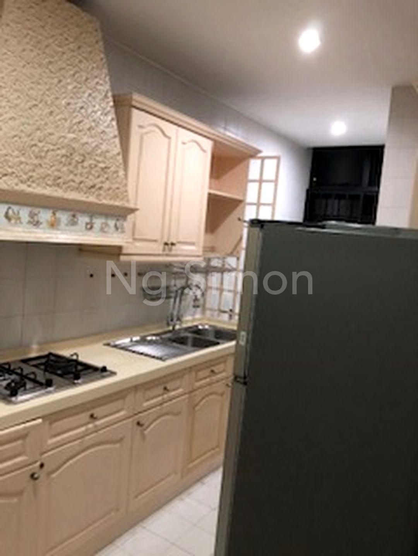 Enclosed Kitchen (III)