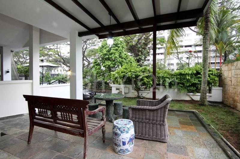 Alfresco dining terrace