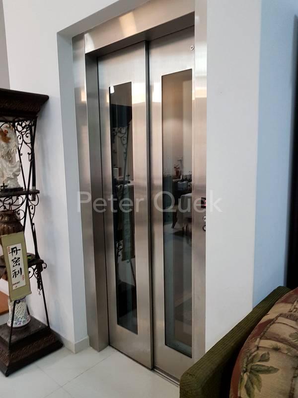 elevator to all 4 floors