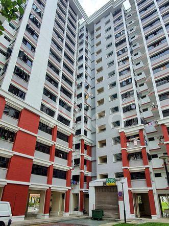 HDB-Hougang Block 699B HDB-Hougang