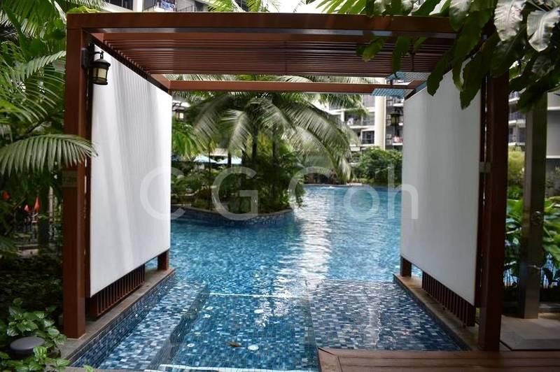 Few Private Spa Pool side !