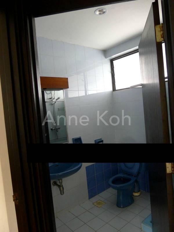 Bathroom3 w/Shower