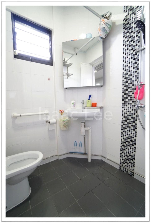 Bathroom (Common)