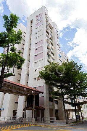 HDB-Jurong East Block 327 Jurong East