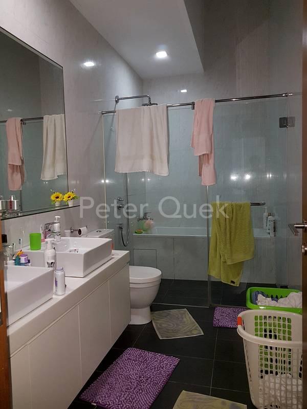 2nd floor master bathroom