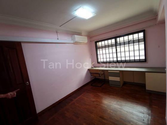 Non-Corridor Common Room