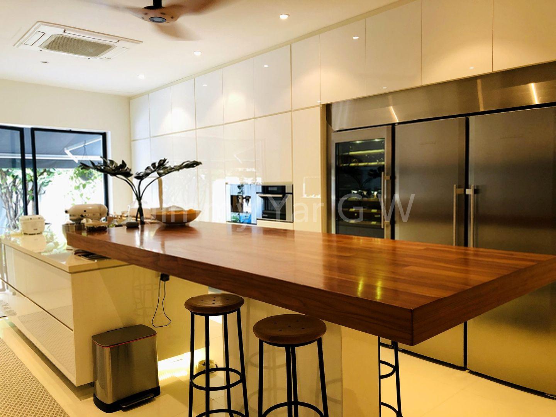 Kitchen island for quick breakfast
