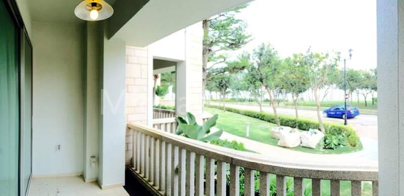 MasterBedroom Balcony
