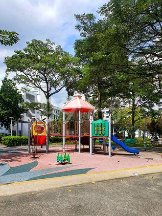 HDB-Hougang Block 570 Amenities HDB-Hougang