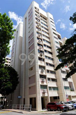 HDB-Jurong East Block 323 Jurong East