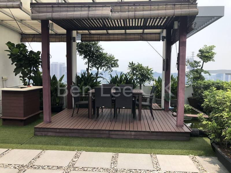 Roof terrace cosy trellis