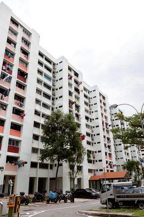HDB-Jurong East Block 409 Jurong East