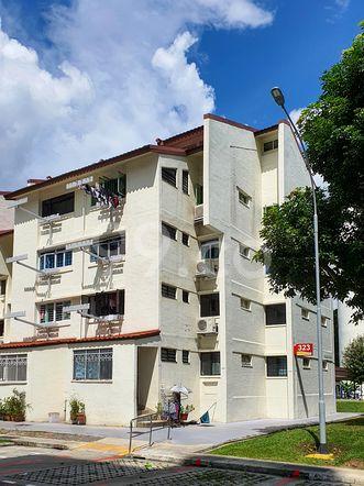 HDB-Hougang Block 323 HDB-Hougang