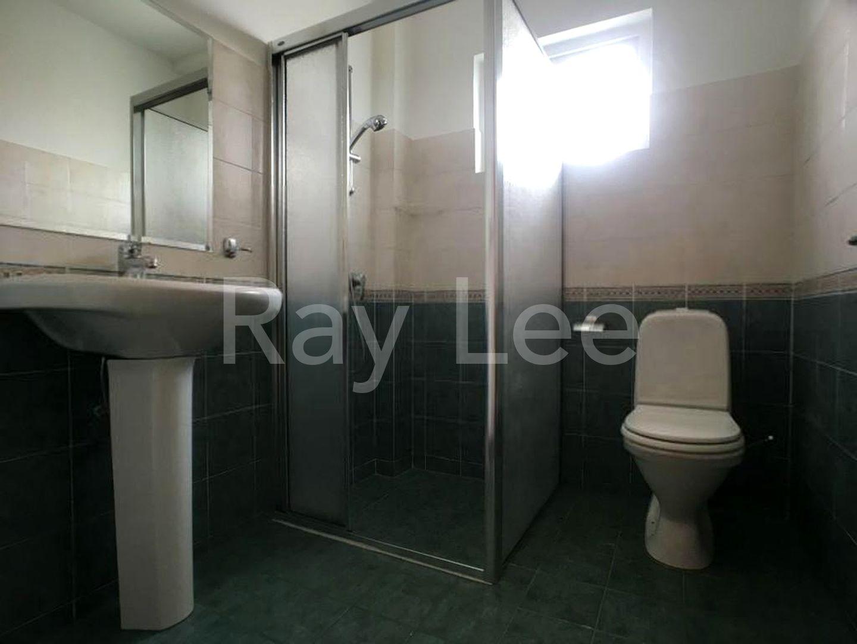 Woodgrove Estate Master Bathroom 06