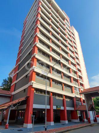 HDB-Hougang Block 453 HDB-Hougang