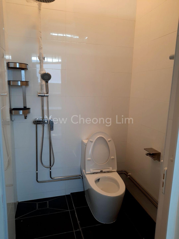 bathroom on level 1