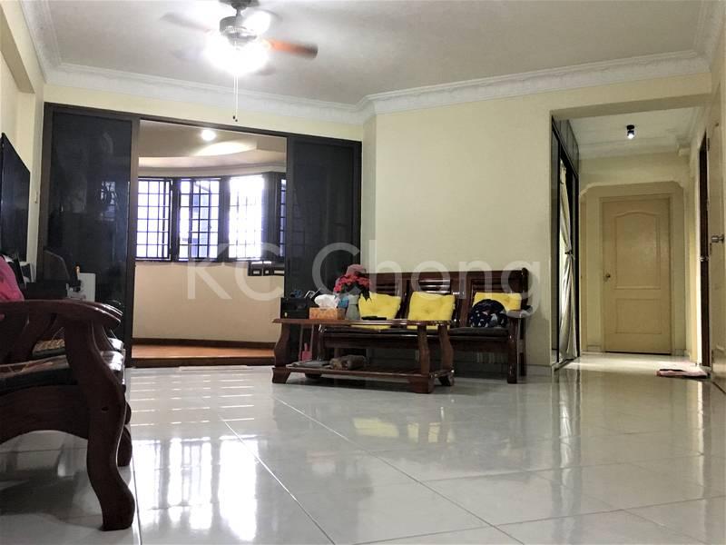 Blk 690 Jurong West Central 1 Living Hall 01