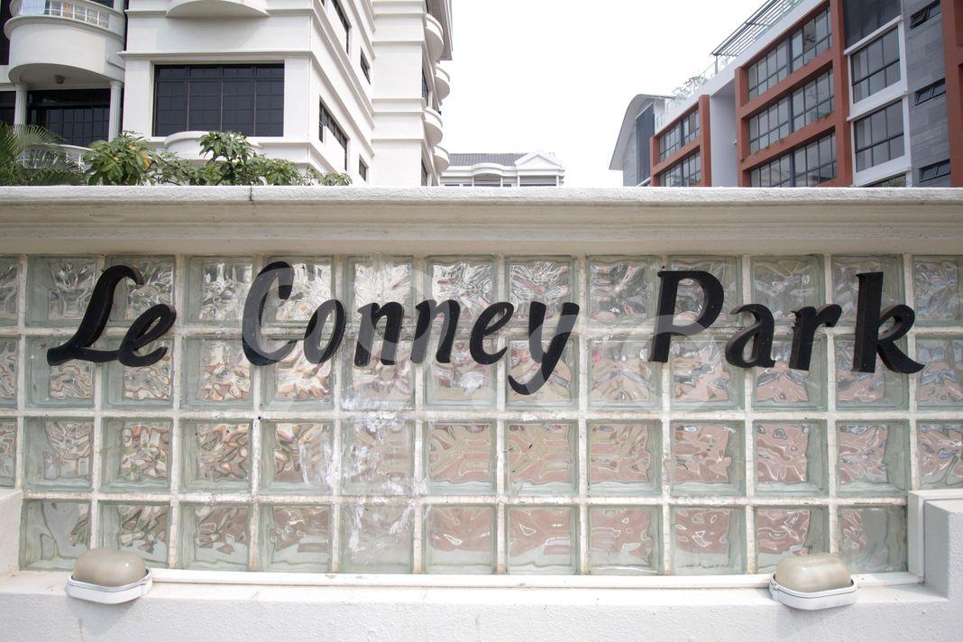 Le Conney Park  Logo