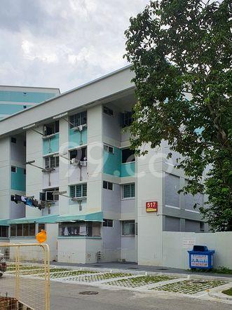 HDB-Hougang Block 517 HDB-Hougang