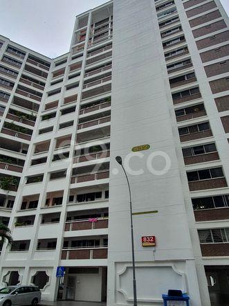 HDB-Hougang Block 832 HDB-Hougang