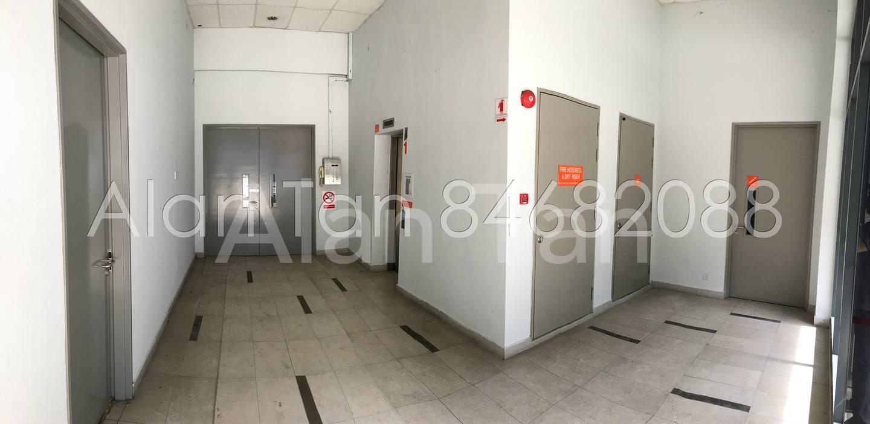 Passenger lift lobby on all floors