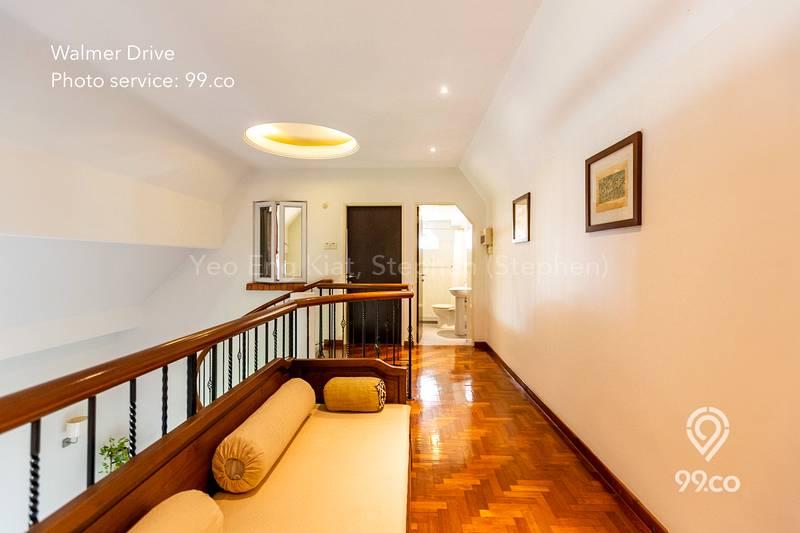 2nd Floor Lounge Area