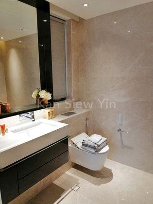 Riviere (3 Bedroom) Master Bathroom