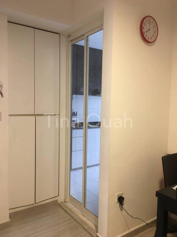 Smart design of slide and fold door (enclosed kitchen)