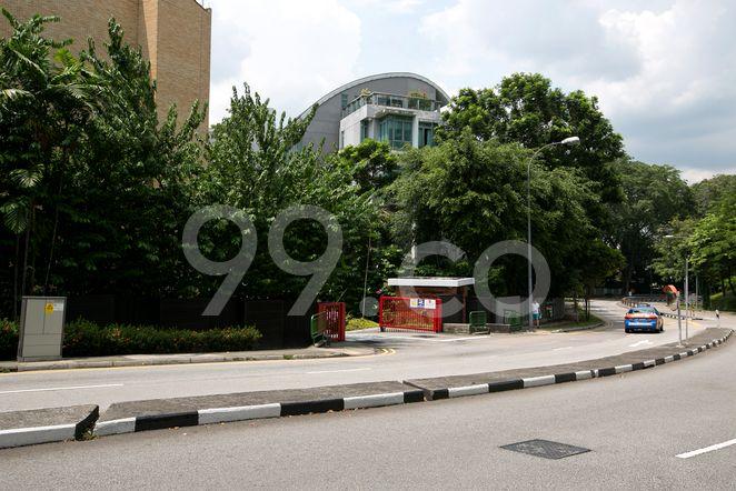 Garden Apartment Garden Apartment - Street