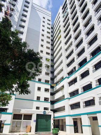 HDB-Hougang Block 570 HDB-Hougang