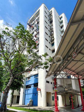 HDB-Hougang Block 328 HDB-Hougang