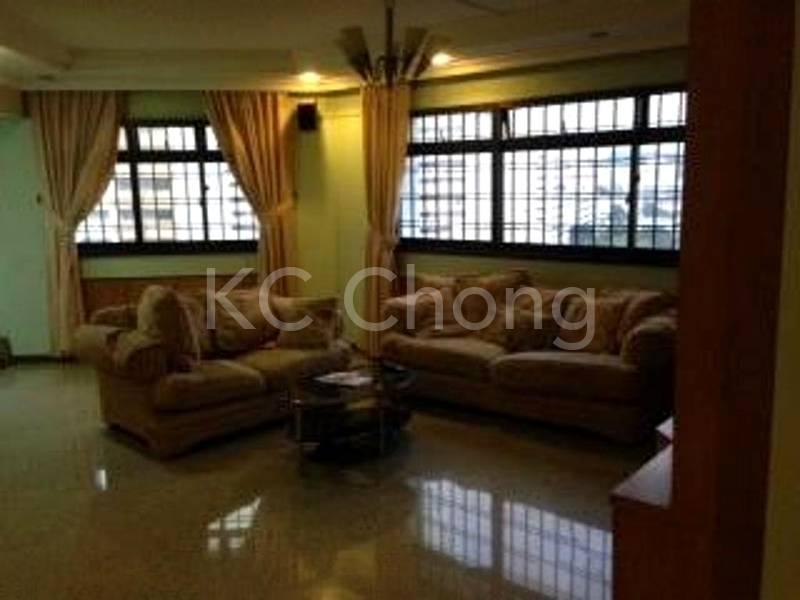 Blk 285B Toh Guan Rd Living Hall 01