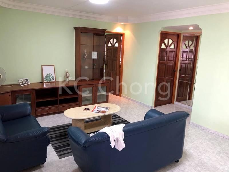 Blk 282 Toh Guan Road Living Hall 01