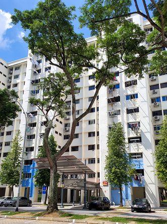 HDB-Hougang Block 324 HDB-Hougang