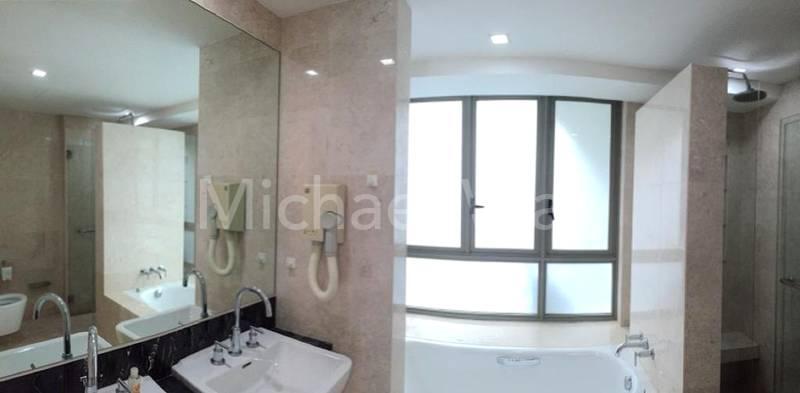 Masters Bathroom #01-0x