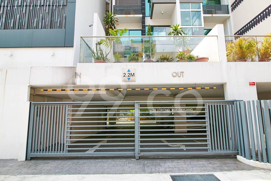 Centra Suites  Entrance
