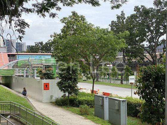 minute walk to Lakeside MRT