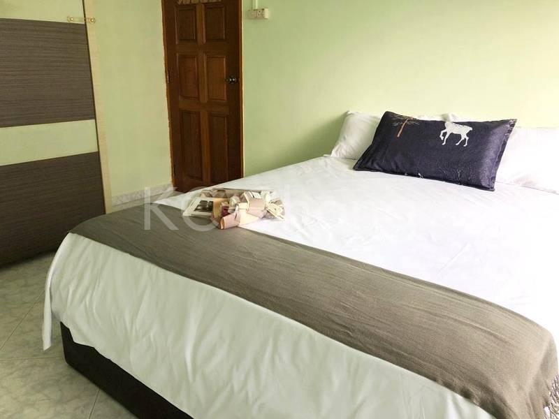 Blk 282 Toh Guan Road Master Room 02