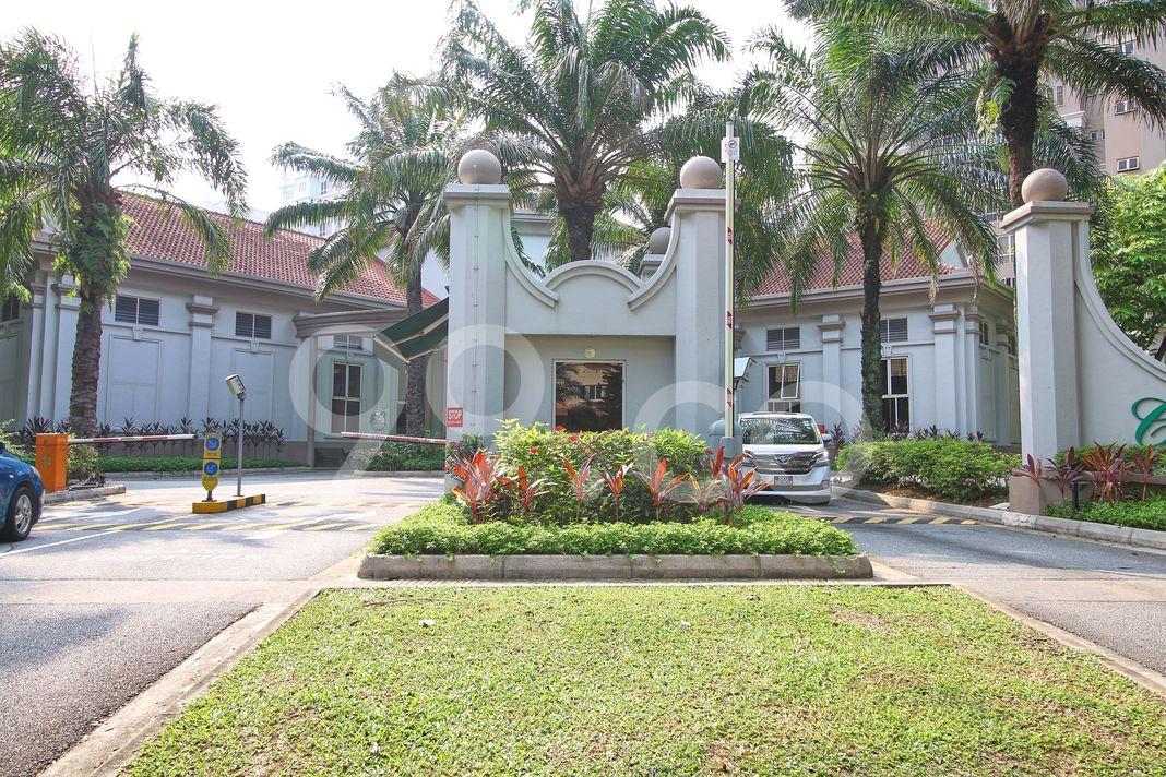 Castle Green  Entrance