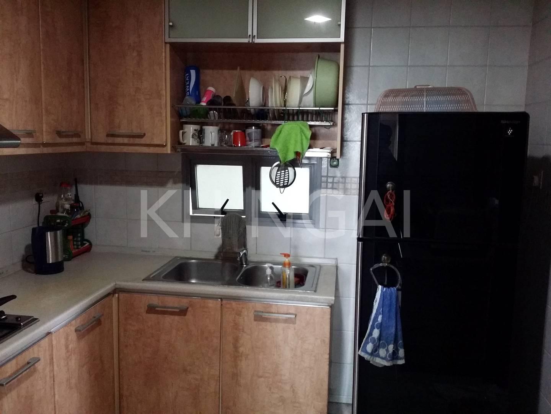 Unit's kitchen