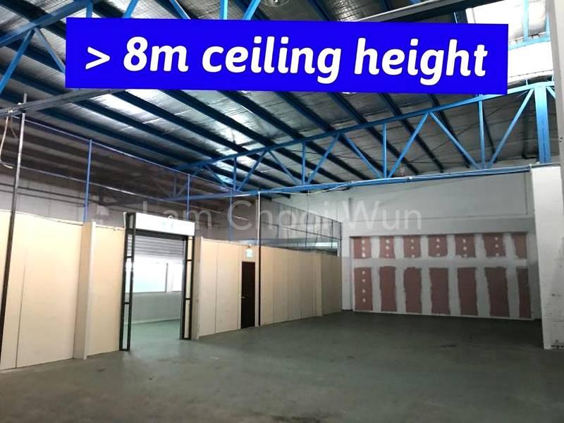 High Ceiling >8m