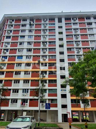 HDB-Hougang Block 421 HDB-Hougang