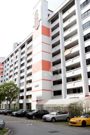 HDB-Jurong East Block 223A Jurong East