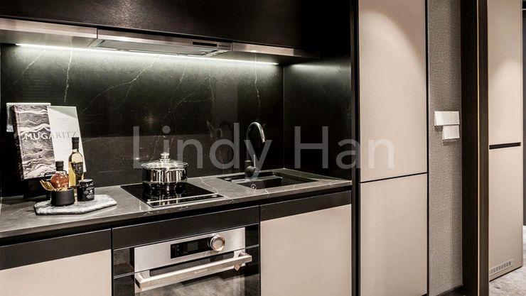 RV Altitude luxury freehold condo - kitchen