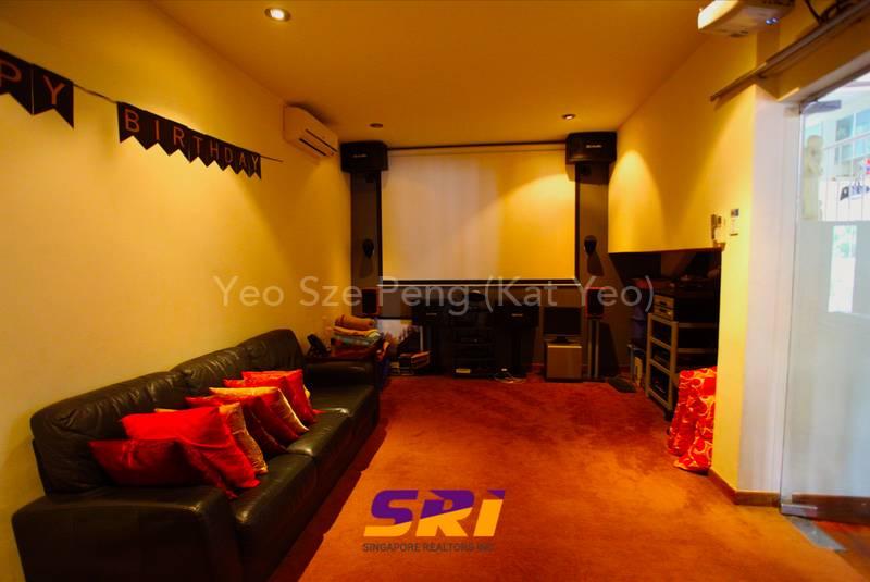 Bungalow in Jalan Lateh, near NEX, MRT Kat Yeo 91159255