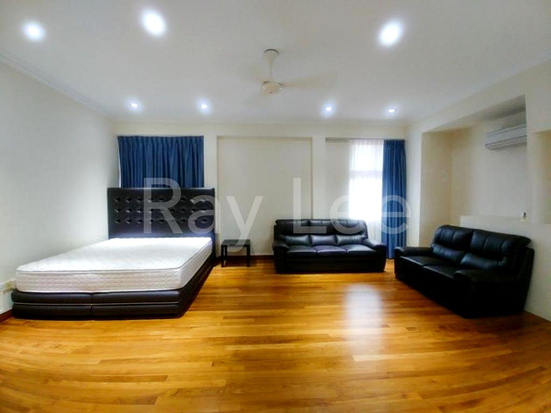 Almond Crescent - L02: Master Bedroom