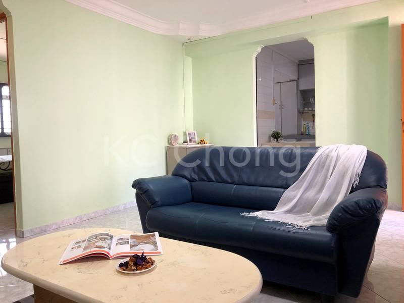 Blk 282 Toh Guan Road Living Hall 03