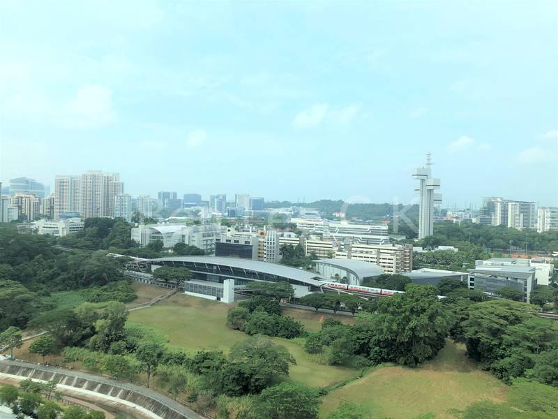 5 min walk to Dover MRT